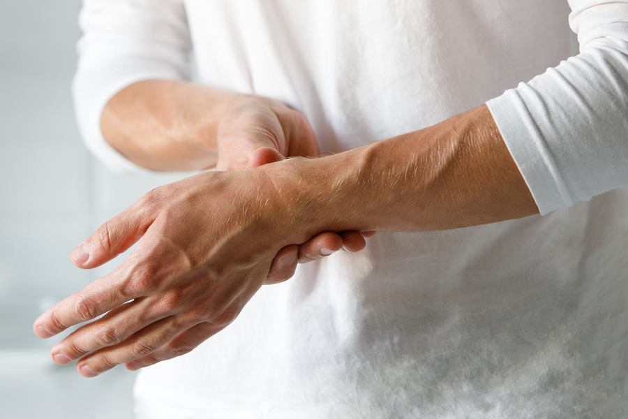 How to Treat Carpal Tunnel Syndrome in Seniors