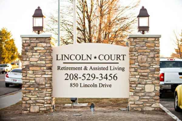 Lincoln Court Retirement Community in Idaho Falls, ID