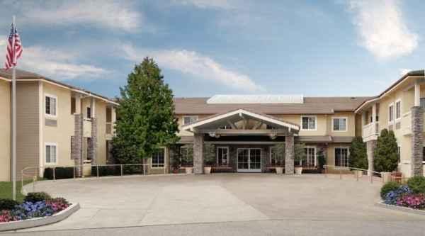 Meadowbrook Senior Living - Agoura Hills - Agoura Hills, CA