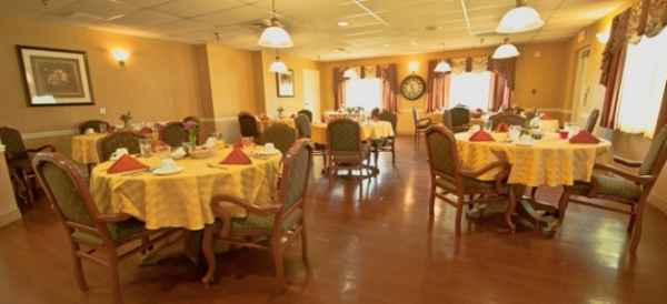 Lake Port Square Assisted Living - Leesburg, FL