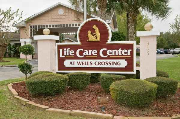 Life Care Center at Wells Crossing in Orange Park, FL