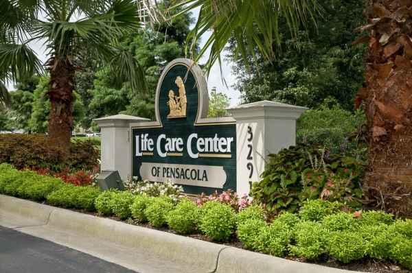 Life Care Center of Pensacola in Pensacola, FL