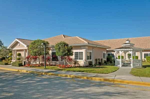 Life Care Center of Sarasota in Sarasota, FL - Reviews