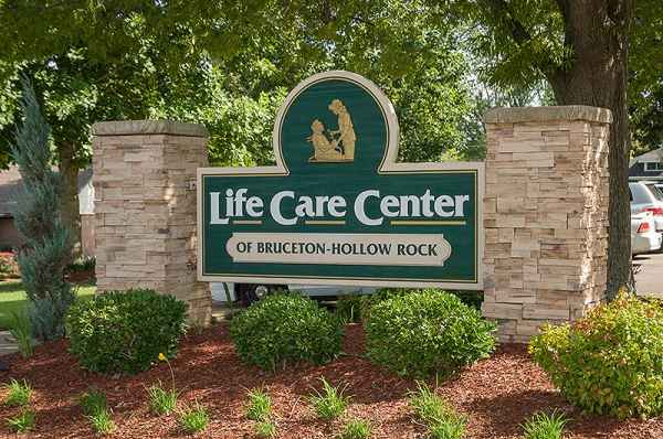 Life Care Center Of Bruceton-Hollow Rock in Bruceton, TN