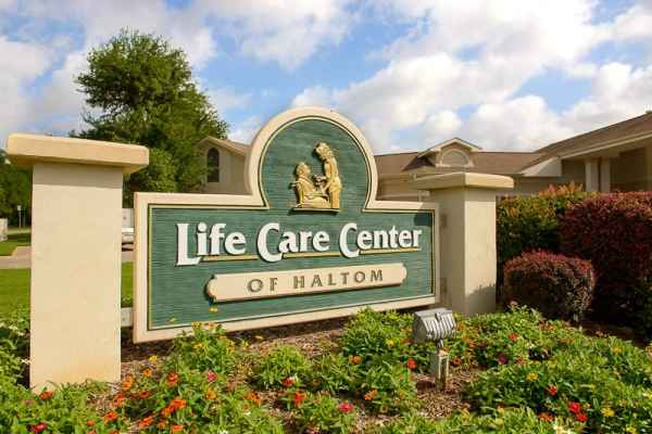 Life Care Center of Haltom in Fort Worth, TX