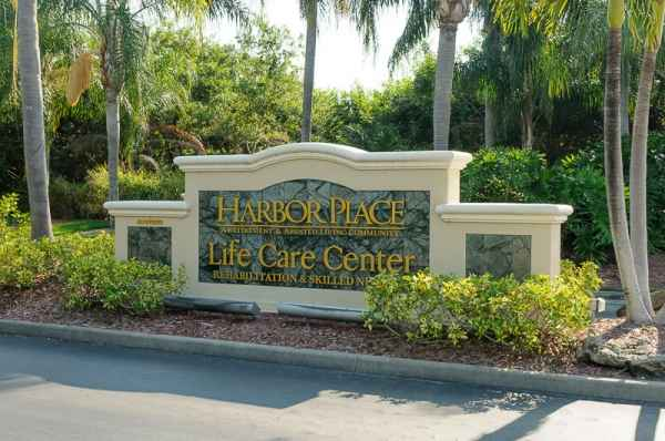 Life Care Center of Port Saint Lucie in Port St Lucie, FL