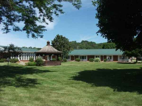 Mill Valley Care Center in Bellevue, IA