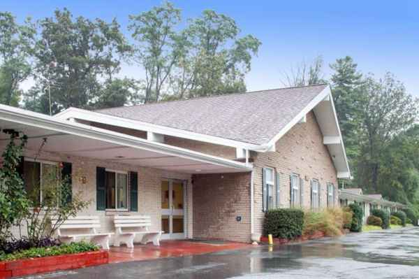 Fox Chase Rehabilitation and Nursing Center in Silver Spring, MD