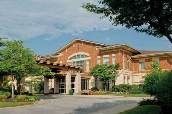 Oak Crest Retirement Community in Parkville, MD