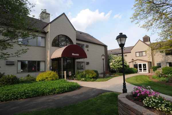 Loomis House Skilled Nursing Care in Holyoke, MA