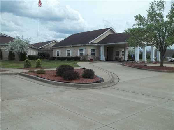 Claru Deville Nursing Center in Fredericktown, MO