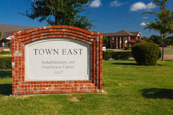 Town East Rehabilitation and Healthcare Center in Mesquite, TX