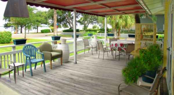 Edgewater manor in clearwater florida reviews and for Edgewater retirement home