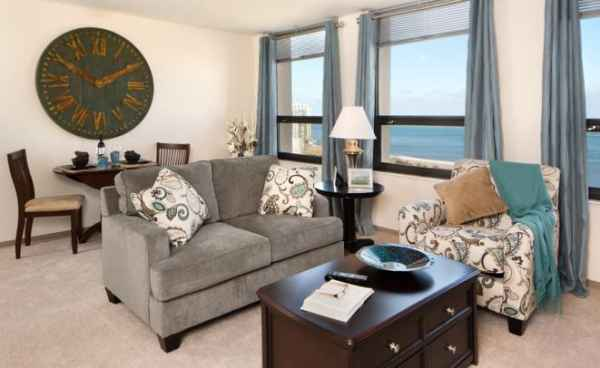The breakers at edgewater beach in chicago il reviews for Edgewater retirement home