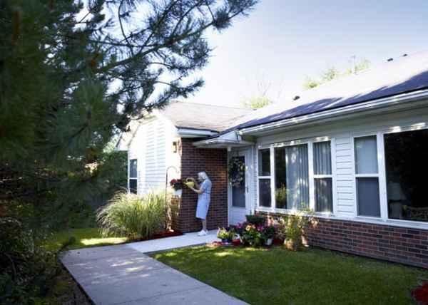 Exterior: American House Farmington Hills Senior Living In