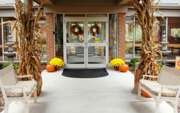 Bickford of lancaster in lancaster ohio reviews and for Country living inn lancaster