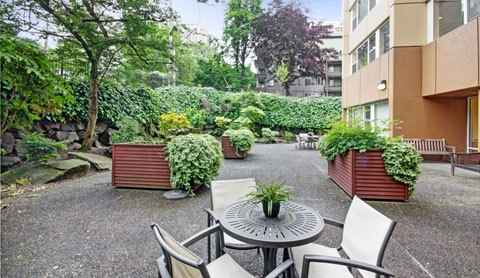 Merrill gardens at first hill in seattle washington reviews and complaints for Washington gardens memory care