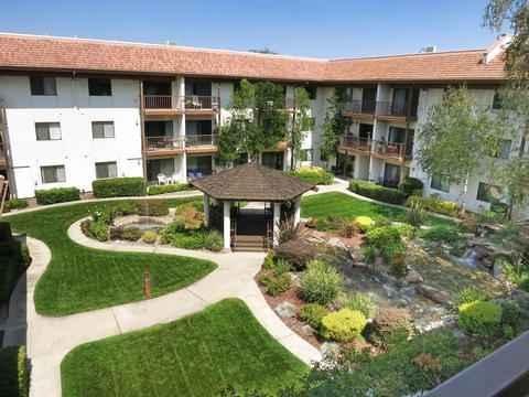 Roseville Commons in Roseville, CA