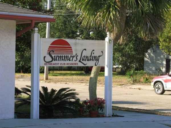 Summer's Landing Retirement Center in Lynn Haven, FL