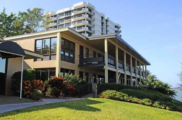 The Oaks Of Clearwater In Clearwater Fl Reviews