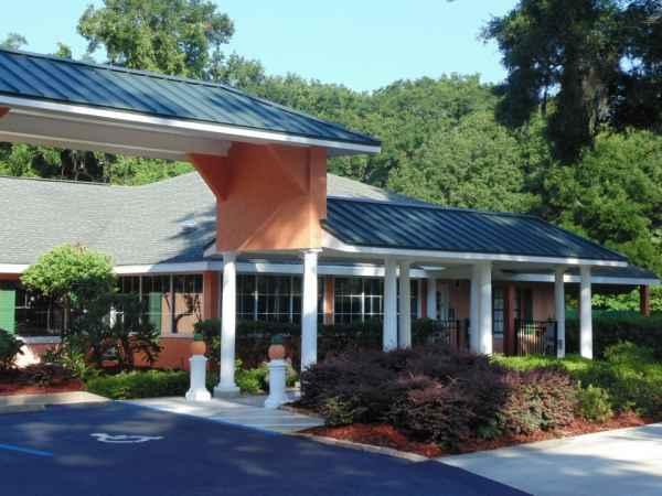 Hampton Manor Belleview in Belleview, FL