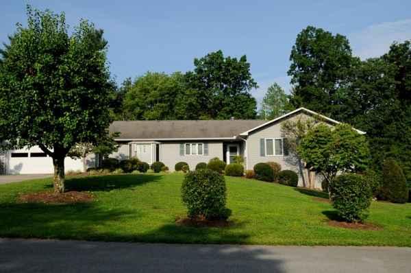 The Elizabeth Fletcher House in Pleasant Hill, TN