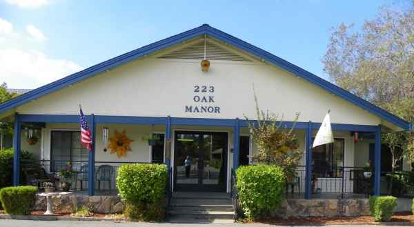 Oak Manor Senior Retirement Home in Jackson, CA