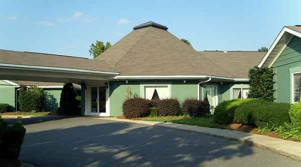 Lawyers Glen Assisted Living Center in Charlotte, NC