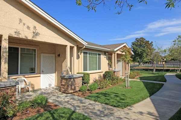 Arbor Faire Senior Apartments in Fresno, CA