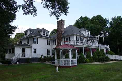 Gilmore Manor in Glastonbury, CT