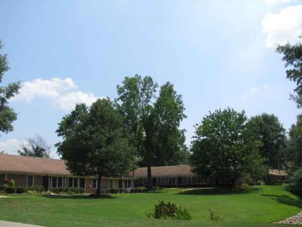 Miller Oaks Village Apartments in Mauldin, SC