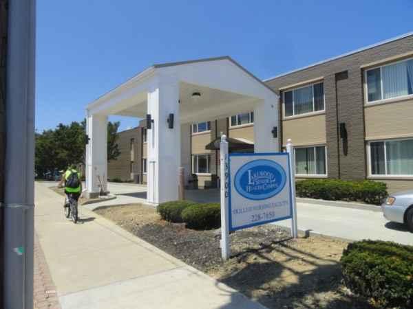 Enniscourt Skilled Nursing Care in Lakewood, OH