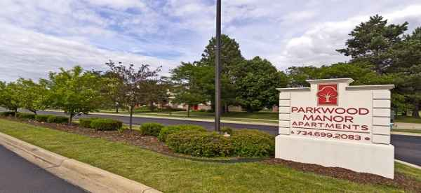 Parkwood Manor in Belleville, MI