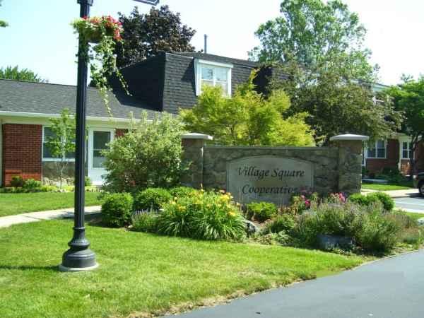 Village Square Cooperative in Utica, MI