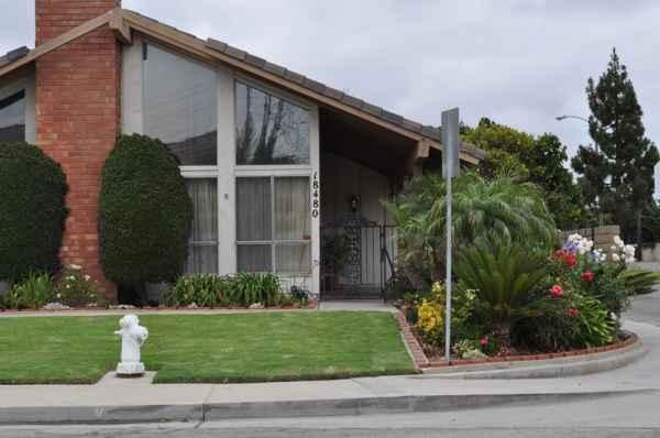 Villa Flora I in Fountain Valley, CA