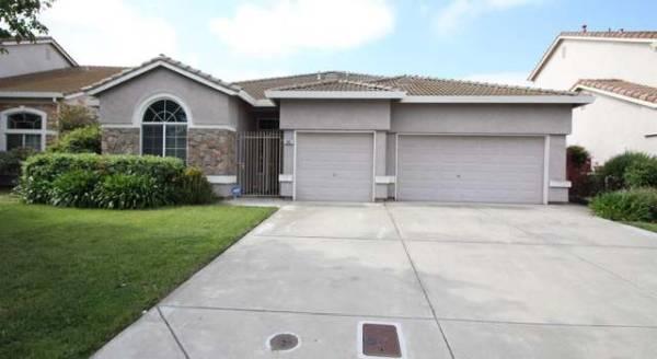 Upton Court Living - Stockton, CA