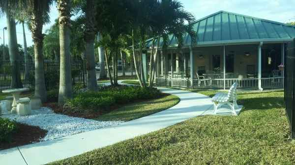 Palm 39 s edge assisted living and memory care in palm beach - Assisted living palm beach gardens ...