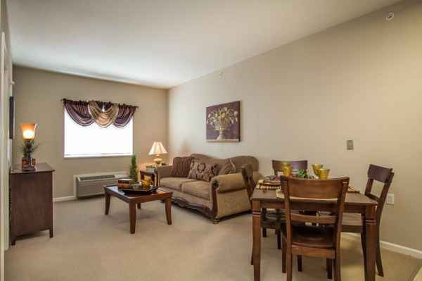 Lamar Court Assisted Living Community In Overland Park Ks