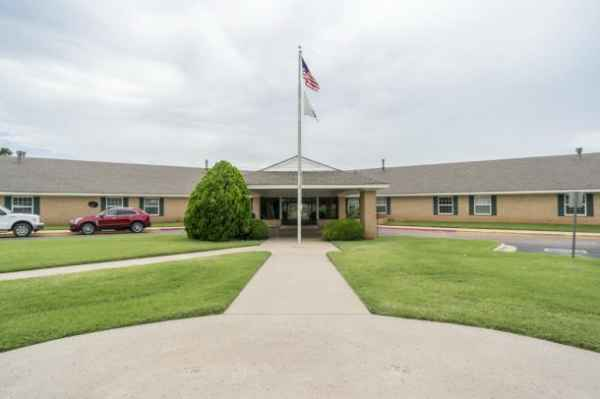 Angelwood Assisted Living in Clinton, OK