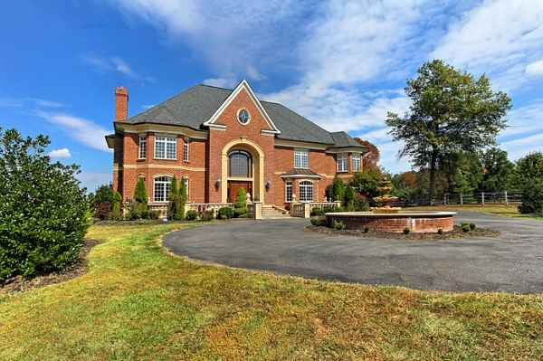Dominion House in Great Falls, VA