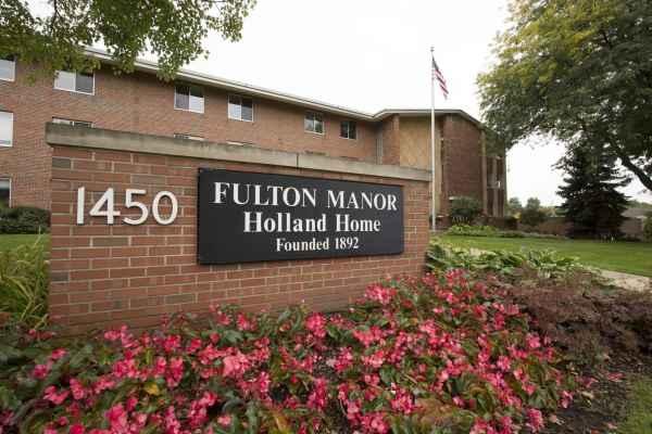 Fulton in Grand Rapids, MI