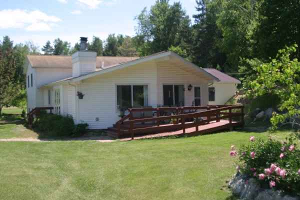 Country Care Senior Assisted Living in Farwell, MI