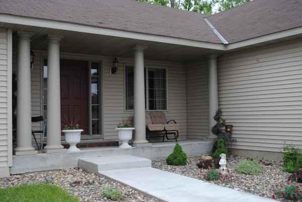 2 Caring Hands, Inc. - Gemini Manor in Lakeville, MN