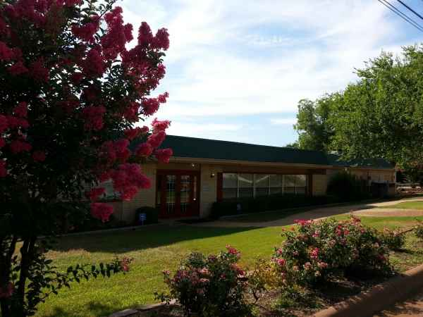 Royal Healthcare & Assisted Living Community in Denison, TX