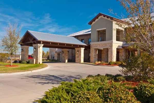 Waterview Senior Living Community in Granbury, TX