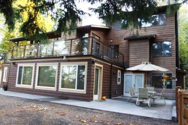 Cozy Glen Adult Family Home in Lake Forest Park, WA