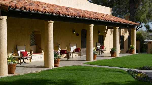 Atria Bell Court Gardens in Tucson, AZ