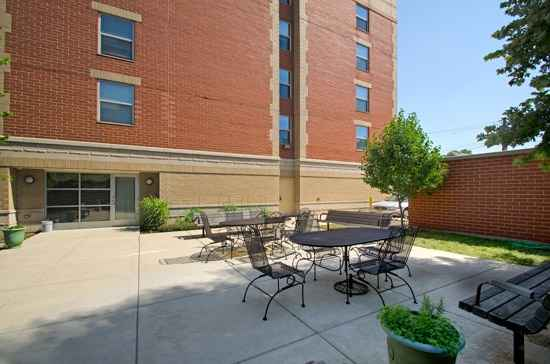 Senior Suites of Bridgeport in Chicago, IL
