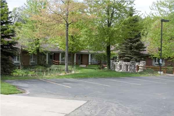 Yorkshire and Stonebridge Manors in Grand Rapids, MI