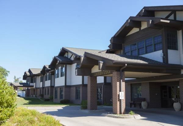 Friendship Village - Lakeview Lodge in Waterloo, IA